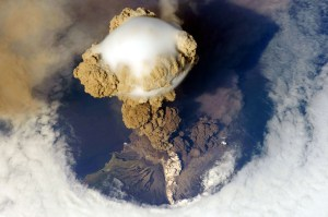 Sarychev_Peak_Volcano_erupts_on_Matua_Island